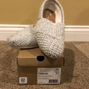 Toms sweater knit shoes size 7.5